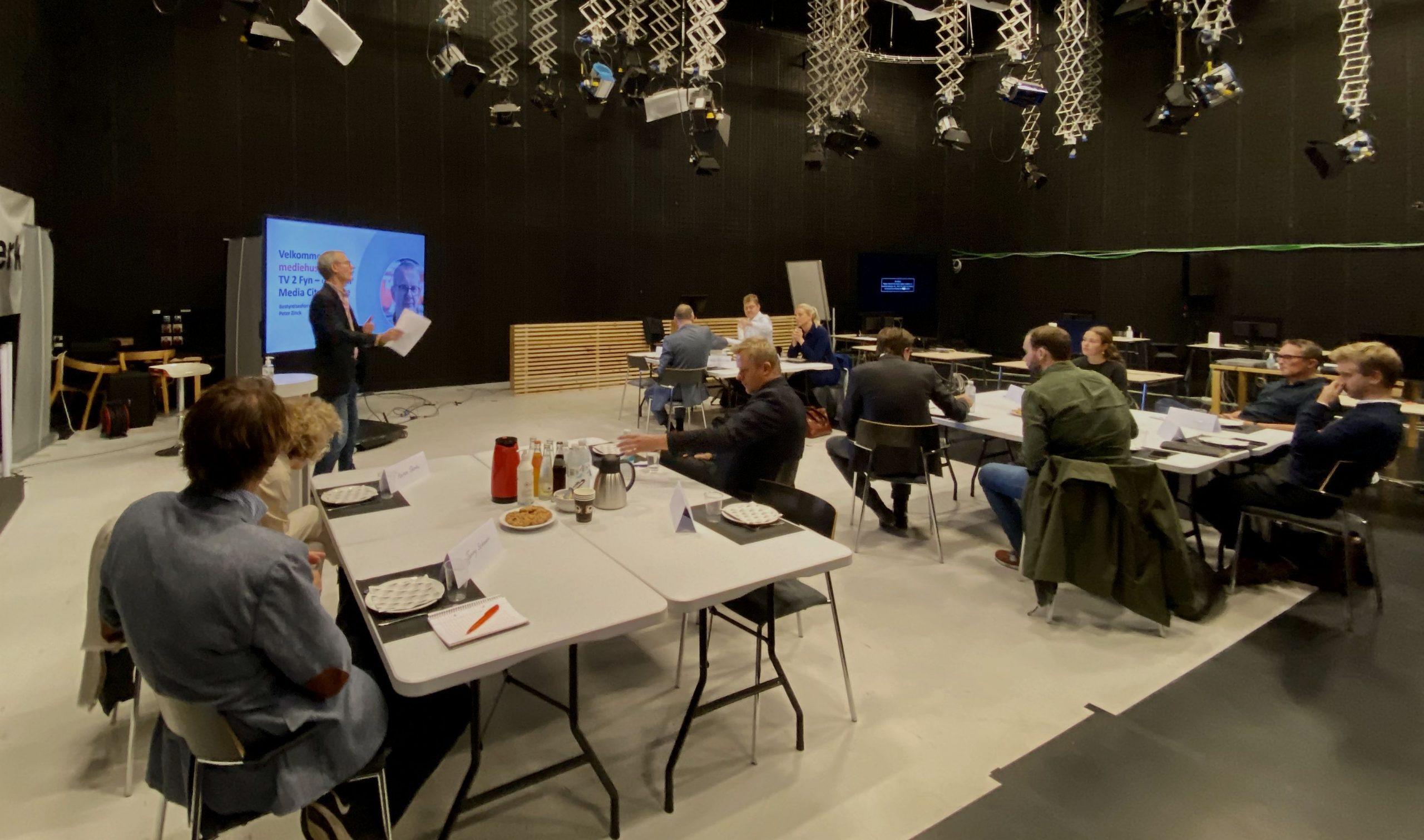 På TV 2 Fyn er alle møder forbudt – bare ikke når gæsterne et prominente fynske politikere
