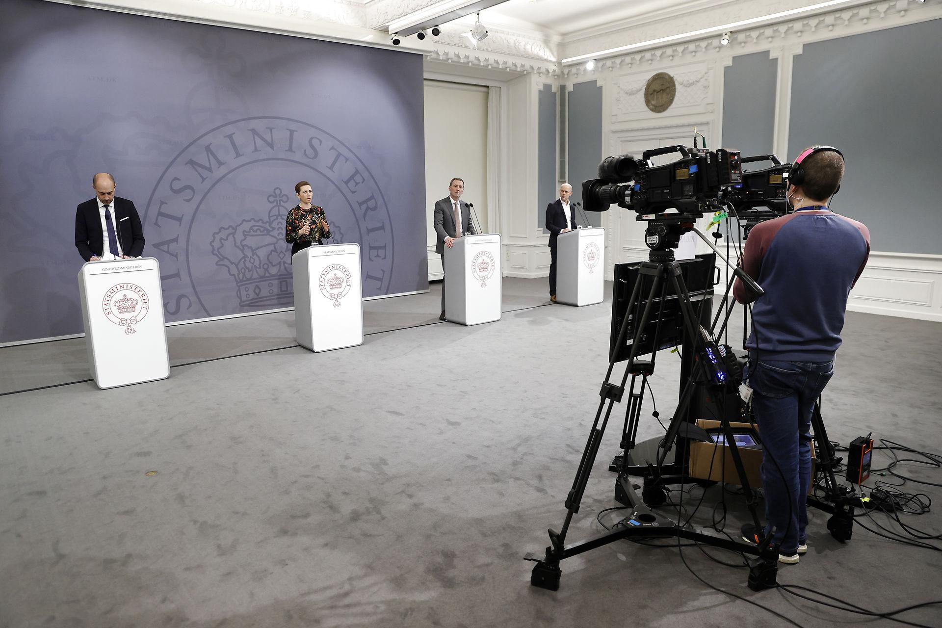 """Journalister kommer ikke til på regeringens pressemøder: """"Det duer ikke"""""""